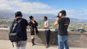 En nuestro paseo descubriendo el municipio de La Orotava nos encontramos con los actores de Jaster&Luis, que nos hicieron una visita guiada.